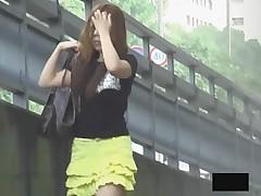 Yet even more Asian girls bending over