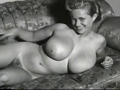 Virginia Bell Buxom 50's Model