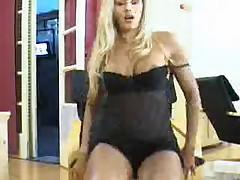Angela Bismarchi mastubates