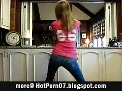 Hot Teen In Tight Jeans Booty Dancing
