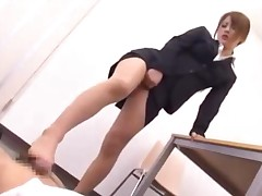 Office Lady In Pantyhose Giving Footjob For Guy Whos Cumming..