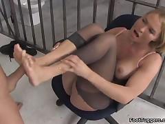 Krissy Lynn - Hot Footjob Pleasure