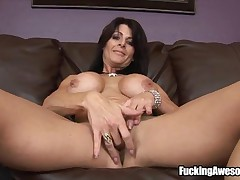 Chaynna Rose - Hot Milf Chaynna Rose Takes On Two Dildos At The Same Time, One On Her Juicy Pussy An