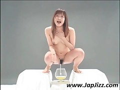 Attractive Japan Bitch Gets Covered With Pee