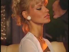 Anita Blond club 3some