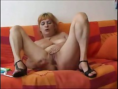 Olga shows us her orgams