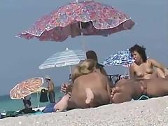 Voyeur hot pussy at the nude beach