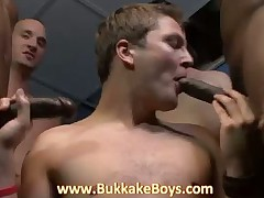 Bukkake Guy giving HOT Deep-throat BLOWJOBS!